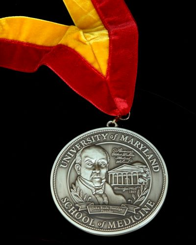 Investiture Medal