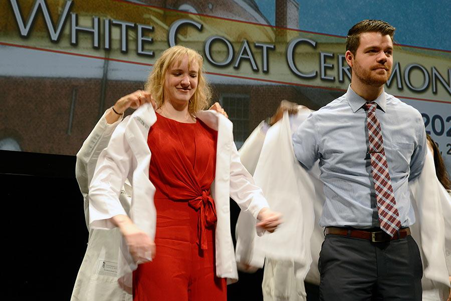 WHITE-COAT2017-B